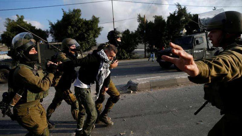 الاحتلال يعتقل عشرات الفلسطينيين في الضفة ويستدعي طفلة للتحقيق