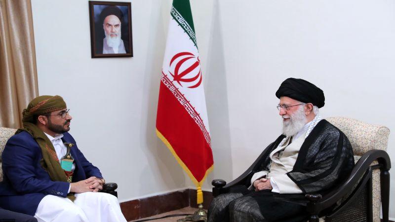 الإمام الخامنئي: السعودية والإمارات تريدان تجزئة اليمن ولا بد من الوقوف أمام هذه المؤامرة