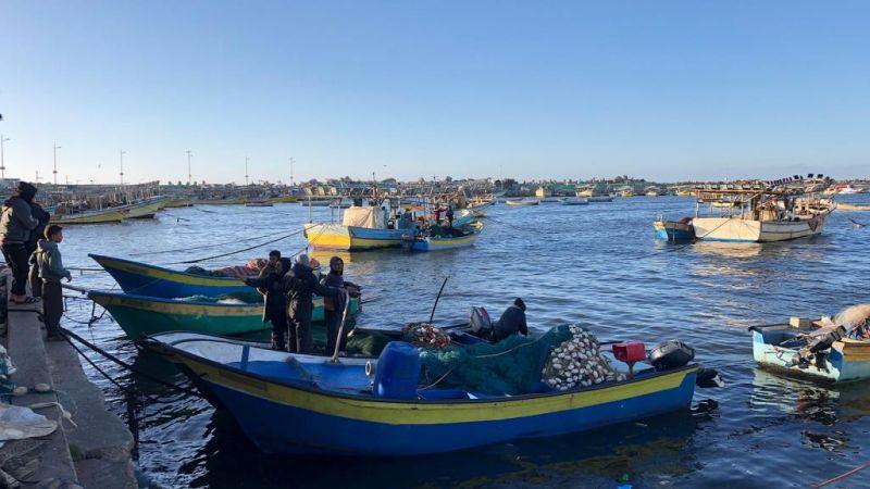 بعد 5 أيام من الحصار.. صيادو غزة يعودون إلى قواربهم
