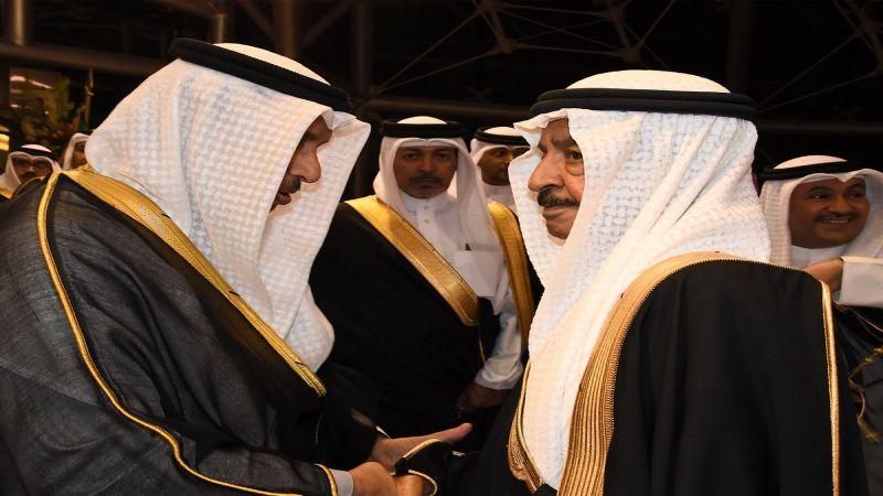 رئيس وزراء البحرين في الكويت بعد أيّام من مكالمته أمير قطر