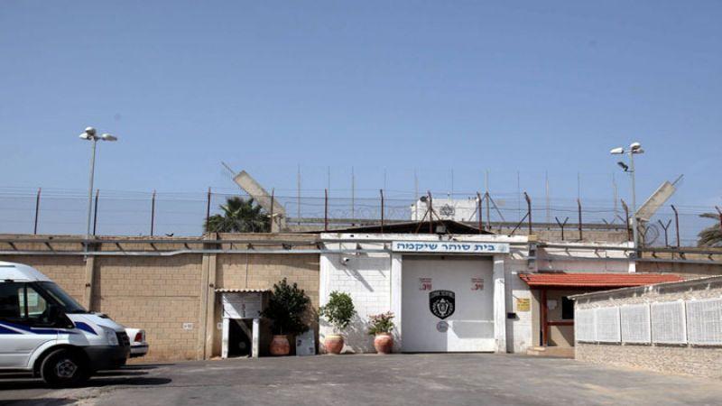 عشرات الاسرى الفلسطينيين بسجن عسقلان يعلنون الاضراب المفتوح عن الطعام