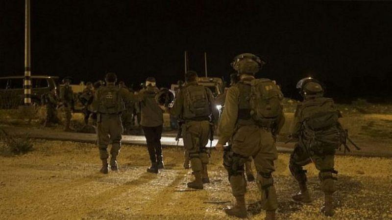 الاحتلال يعتقل 18 فلسطينيا خلال اقتحامات ومداهمات بالضفة الغربية