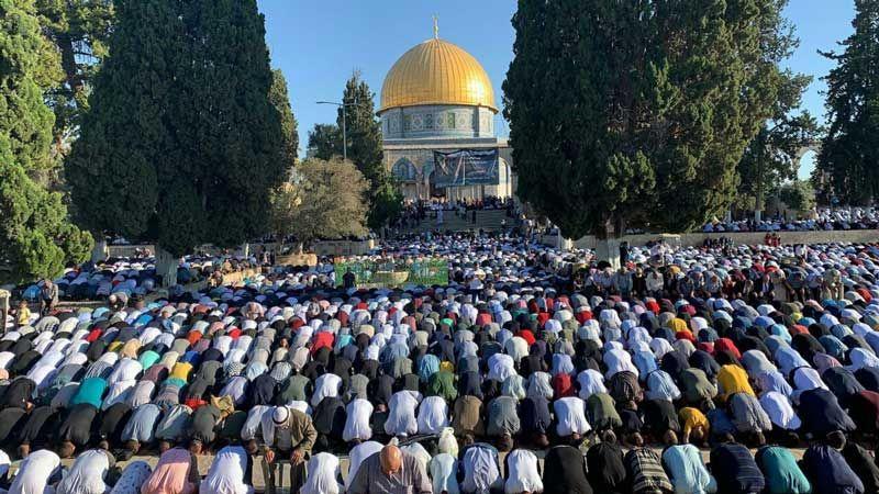 شهيد فلسطيني أول أيام الاضحى.. و100 ألف أدوا صلاة العيد في الأقصى