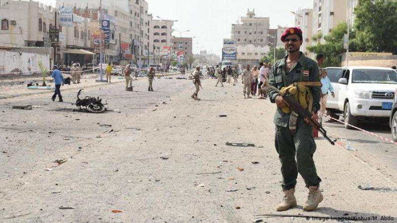 إنهيار تحالف العدوان في عدن.. الميليشيات تتصارع
