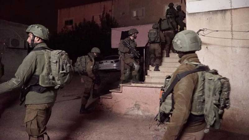 اعتقالات بصفوف الفلسطينيين ومواجهات في الضفة الغربية
