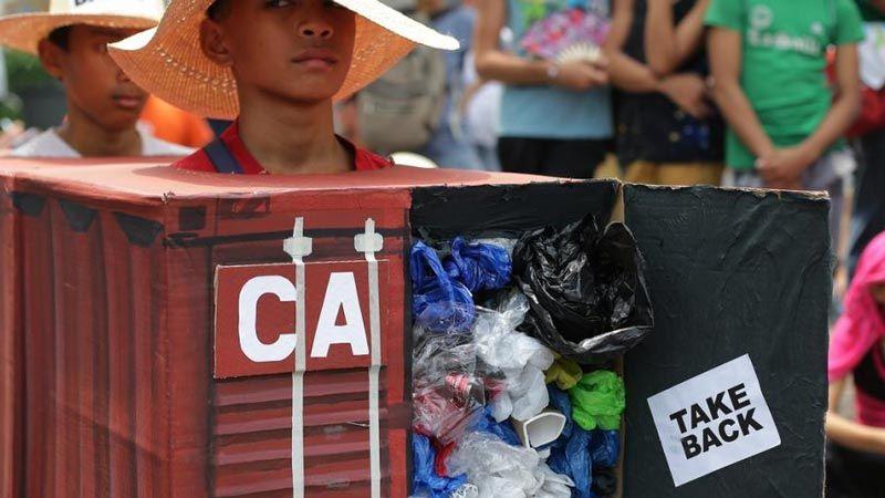 أزمة دبلوماسية بين كندا والفلبين