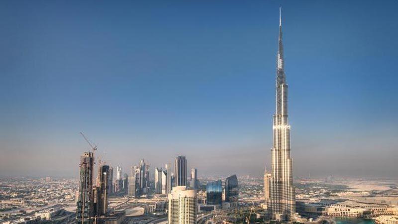 """""""تايمز"""": عصابة تمتلك مقرًا وعلاقات في دبي متهمة بالإحتيال وتمويل الإرهاب"""