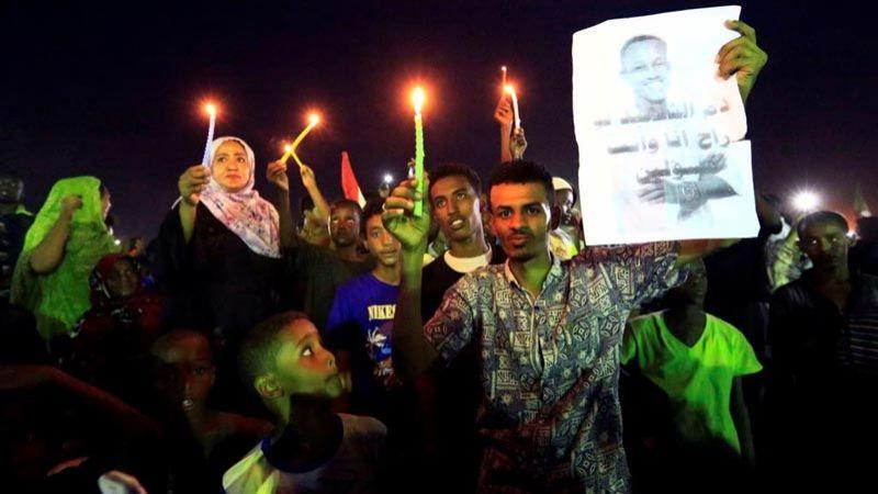 السودان: قوى التغيير والمجلس العسكري يوقعون وثيقة الاتفاق السياسي