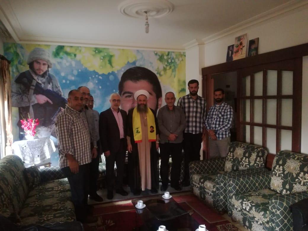 في ذكرى يوم الشهيد .. حزب الله يزور عوائل الشهداء في الجنوب