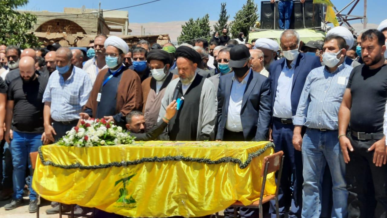 بالصور.. حزب الله وجمهور المقاومة يودّعون فقيد الجهاد والمقاومة الحاج خضر زعيتر