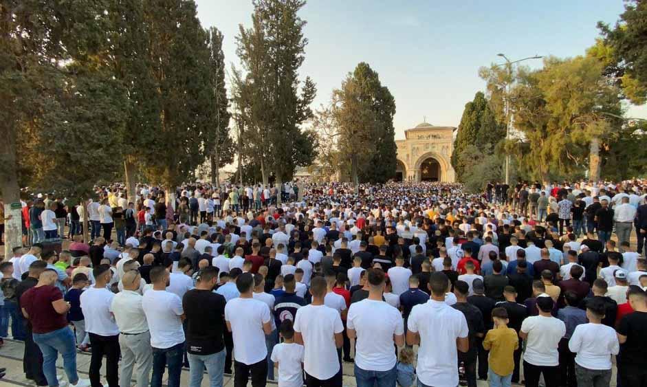صلاة عيد الأضحى من باحات المسجد الأقصى المبارك صباح اليوم.. بالصور