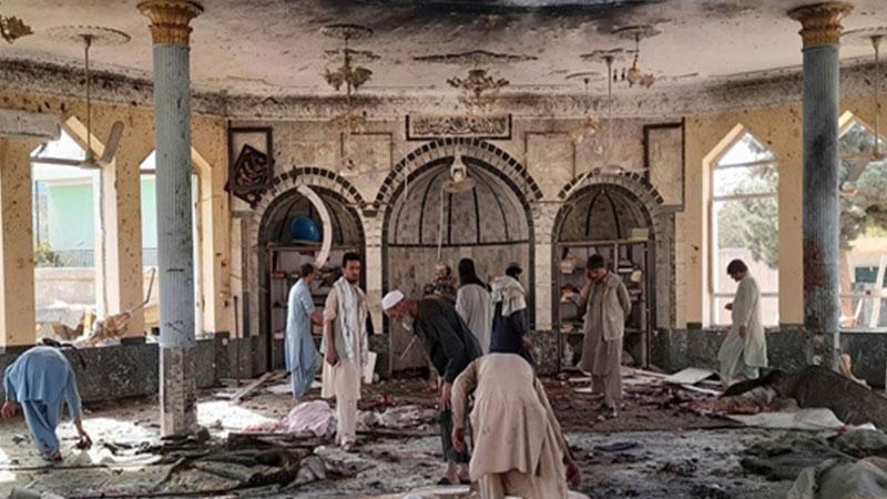 أفغانستان: عشرات الشهداء في تفجير استهدف مسجدًا